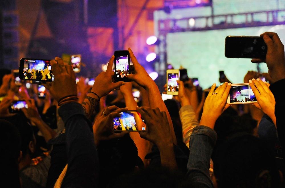 Billboard phone-concerts